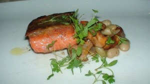 Wild BC salmong, chanterelles, flagolets, carrots
