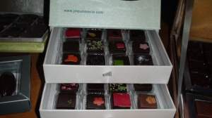 Jin Patisserie 24 piece jewelry box.