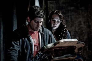 Eli Wallace (David Blue) and Chloe Armstrong (Elyse Levesque) exploring the unknown (photo courtesy and copyright MGM Television).