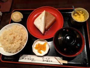 Akemi's oden lunch setto, minus the daikon that has yet to arrive.